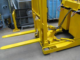Ameise Reach Forklift - 4m High 1600kg Capacity - picture6' - Click to enlarge