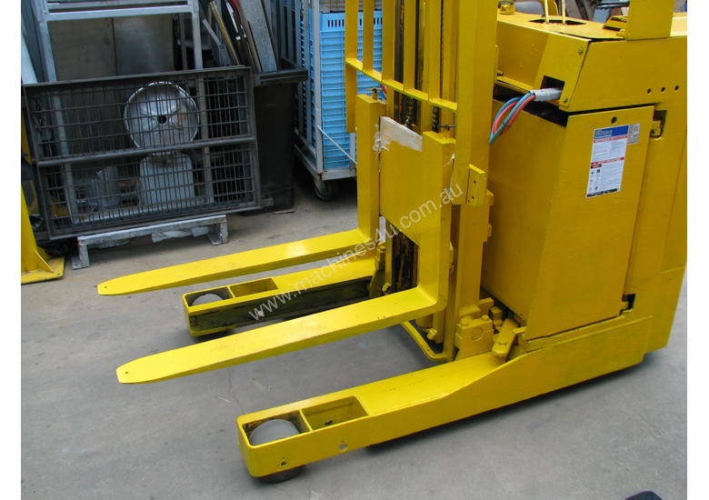 Ameise Reach Forklift - 4m High 1600kg Capacity