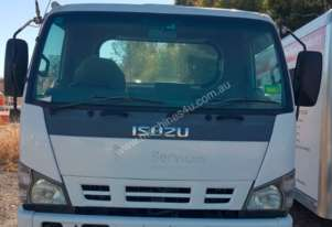 Isuzu body truck with tray and bus cabin