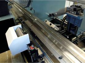 AD-S Series CNC Synchro Press Brake - picture2' - Click to enlarge