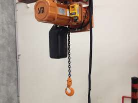 Electric Chain Hoists - picture4' - Click to enlarge