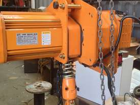Electric Chain Hoists - picture2' - Click to enlarge