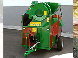 Facma Trailed Nut Harvester C380T - picture2' - Click to enlarge