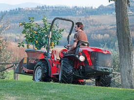 ANTONIO CARRARO TTR 4400 HYDROSTATIC 4WD TRACTOR - picture17' - Click to enlarge