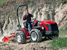 ANTONIO CARRARO TTR 4400 HYDROSTATIC 4WD TRACTOR - picture18' - Click to enlarge
