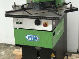 Just In - FIM 200mm x 200mm x 6mm Hydraulic Corner Notcher - picture2' - Click to enlarge