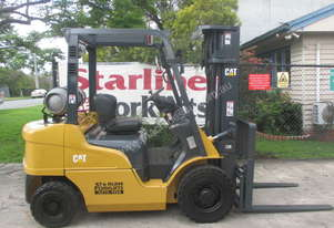 Caterpillar 2.5 ton Container Mast Used Forklift