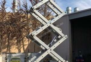 USED 19FT SCISSOR LIFT