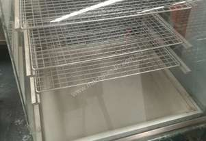 MEC Cake refrigerated display