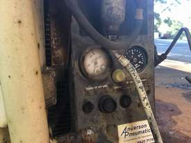Air Compressor  - picture3' - Click to enlarge
