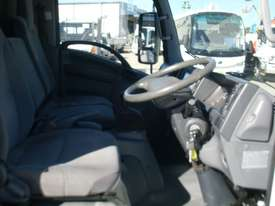 Isuzu NNR200 Furniture Body Truck - picture8' - Click to enlarge