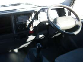 Isuzu NNR200 Furniture Body Truck - picture10' - Click to enlarge