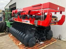 2018 AGROMASTER BUFFALO 20 HEAVY DUTY OFFSET DISCS (2.5M CUT) - picture14' - Click to enlarge