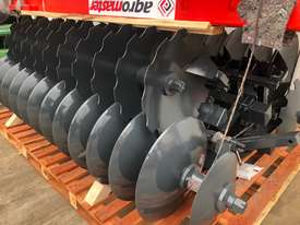 2018 AGROMASTER BUFFALO 20 HEAVY DUTY OFFSET DISCS (2.5M CUT) - picture15' - Click to enlarge
