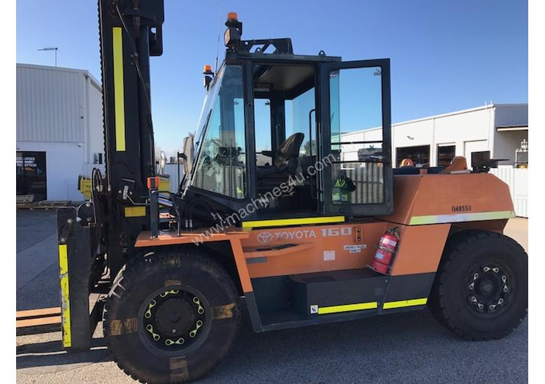 Toyota 16 ton forklift 4m 2 st available for Hire or Sale