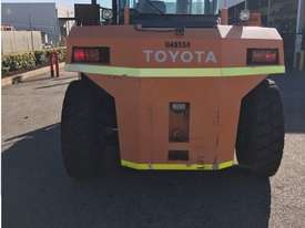 Toyota 16 ton forklift 4m 2 st available for Hire or Sale - picture3' - Click to enlarge