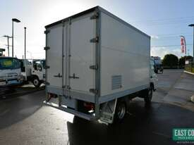 2009 MITSUBISHI CANTER FE Pantech Refrigerated Truck  - picture5' - Click to enlarge