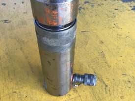 20 Ton Hydraulic Ram Porta Power Cylinder Power Team C50R2 - picture2' - Click to enlarge