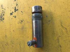 20 Ton Hydraulic Ram Porta Power Cylinder Power Team C50R2 - picture6' - Click to enlarge
