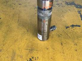 20 Ton Hydraulic Ram Porta Power Cylinder Power Team C50R2 - picture9' - Click to enlarge
