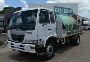2006 NISSAN UD PK Tray Top Water Truck