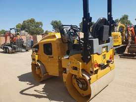 USED CAT CB-224D 3T TWIN DRUM ROLLER - picture2' - Click to enlarge