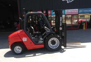 *RENTAL* 2.5T - 30T ROUGH TERRAIN FORKLIFT PER DAY