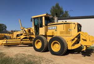 JOHN DEERE ROAD GRADER Ex Council 770CH 220Hp 18T 14ft Moldboard + Front Dozer Blade + Rear Rippers