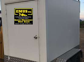 Tandem Axle enclosed box trailer, can stand up inside. EMUS TS442 - picture2' - Click to enlarge