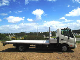 Hino 617 - 300 Series Tray Truck - picture3' - Click to enlarge