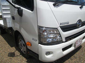 Hino 617 - 300 Series Tray Truck - picture10' - Click to enlarge