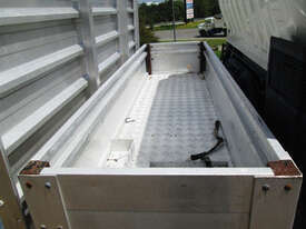 Hino 617 - 300 Series Tray Truck - picture11' - Click to enlarge