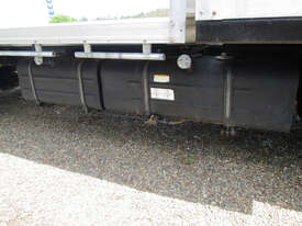 Hino 617 - 300 Series Tray Truck - picture13' - Click to enlarge