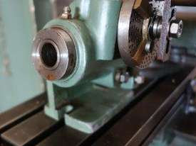 Universal Milling Machine - picture5' - Click to enlarge