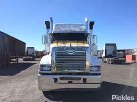 2014 Mack Superliner CLXT - picture1' - Click to enlarge