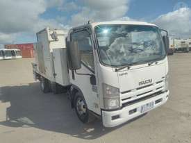Isuzu NPR300 - picture0' - Click to enlarge
