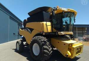 New Holland   CR960 Header Only
