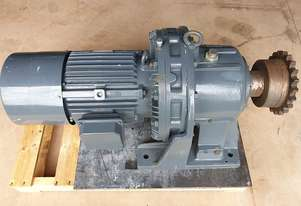 2016 Sumitomo Cyclo 11 KW Gear motor reduction drive Gearbox 500KG RPM 17 Model : CHHM-15-6215-B-87