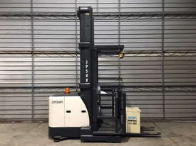 Crown SP3500 Stock Picker Forklift - picture2' - Click to enlarge