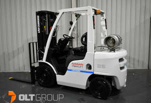 NIssan Unicarriers 2.5 Tonne Forklift LPG EFI Container Mast with Sideshift 2015 Series