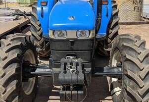 2015 New Holland TD80 4RM Utility Tractors