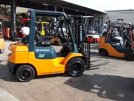 FORKLIFT RENTAL FULLY MAINTAINED LOW WEEKLY RATE - picture0' - Click to enlarge