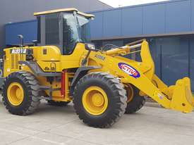 14 Tonne Wheel loader With Heavy Duty Quick Hitch 2.5m3 GP Bucket & Pallet Forks - picture0' - Click to enlarge