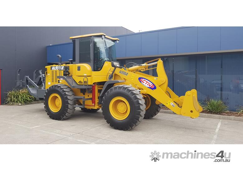 14 Tonne Wheel loader With Heavy Duty Quick Hitch 2.5m3 GP Bucket & Pallet Forks
