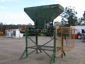 Sand bag filling conveyor - picture2' - Click to enlarge
