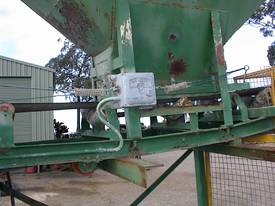 Sand bag filling conveyor - picture6' - Click to enlarge