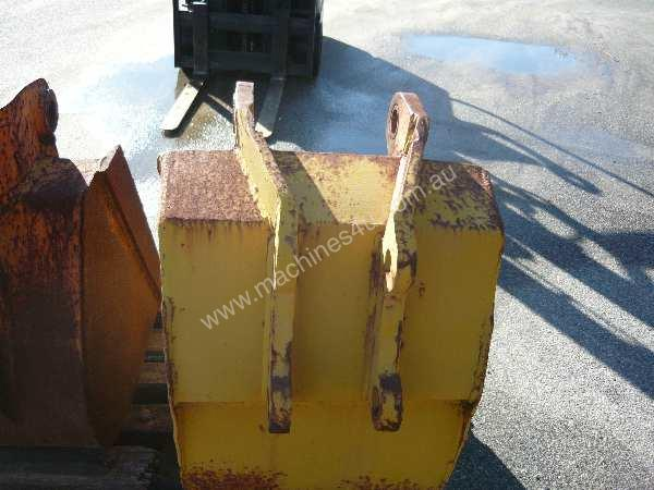 EXCAVATOR / BACKHOE BUCKET 600 WIDE