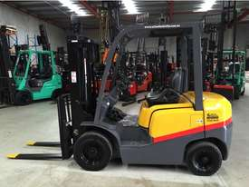 TCM EX HIRE FLEET 2,500 KG LPG CONTAINER FORKLIFT - picture0' - Click to enlarge