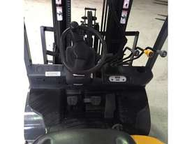 TCM EX HIRE FLEET 2,500 KG LPG CONTAINER FORKLIFT - picture2' - Click to enlarge