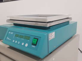 Lab Companion Benchtop Shaker - picture1' - Click to enlarge